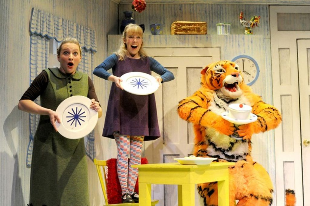 2-The-Tiger-Who-Came-To-Tea-Live-On-Stage
