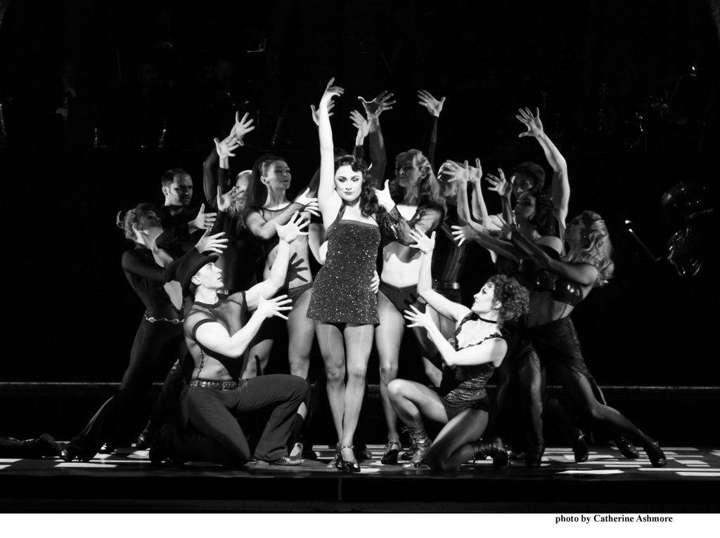 CHICAGO.-Sophie-Carmen-Jones-as-Velma-Kelly.-Photo-by-Catherine-Ashmore-1-1024x766